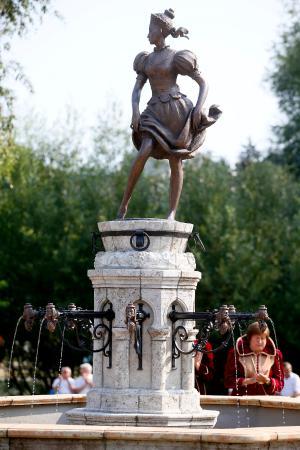Heves County, Ungarn: Szépasszony, a borivók védőszentje