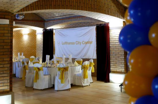Heves County, Hungría: Tréningek, konferenciák