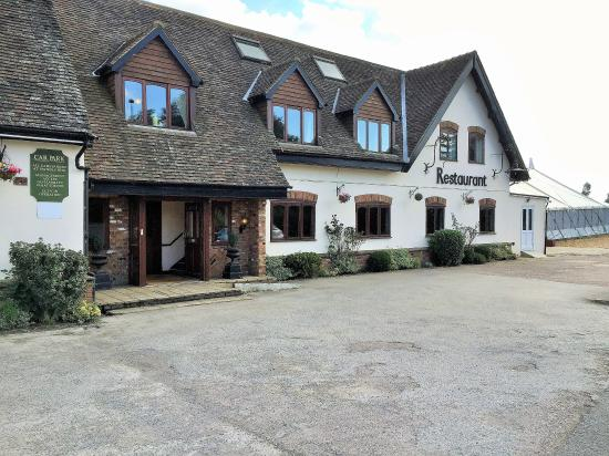 Meppershall, UK: Hotel and Marquee