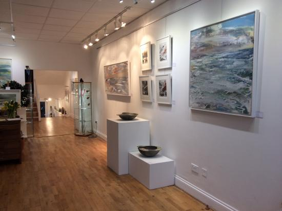 Artmill Gallery and Framing Centre: Shop interior