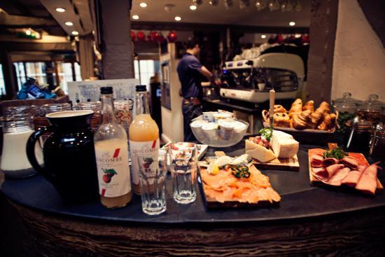 Bayards Cove Inn: Continental breakfast
