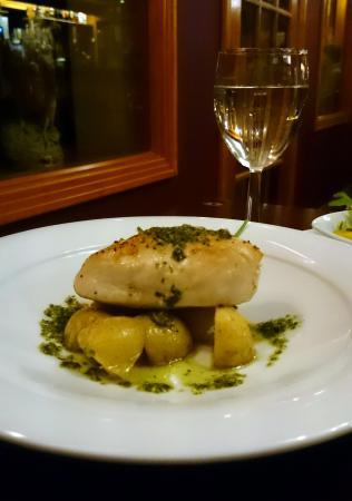 The Lochailort Inn: Roast Chicken Breast filled with Basil & Tomato