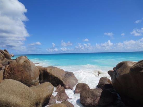 Νήσος Πράσλιν, Σεϋχέλλες: 風は強いけどきれいです!