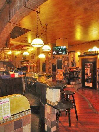 Thunder Pub