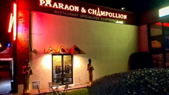 Pharaon & Champollion