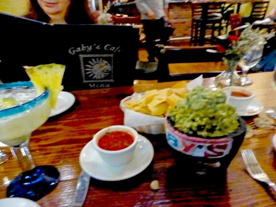 Ellenville, estado de Nueva York: Awesome guacamole piled high!