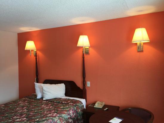 Motel 6 Cordele: room