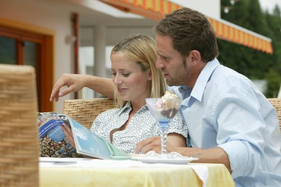 Hotel Alpenblick: Kaffee & Kuchen