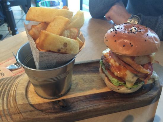 Titanic burger - delicious