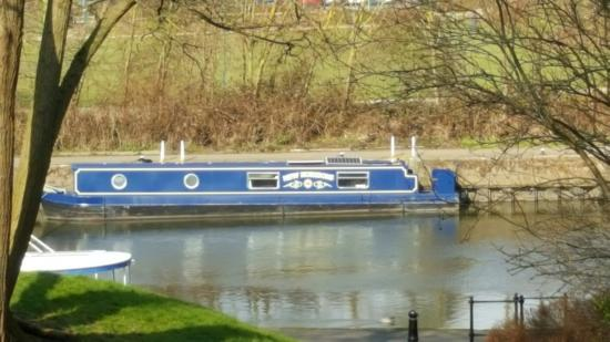 Gunthorpe, UK: New Horizons moored at Newark
