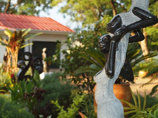 The Shona Sculpture Gallery: National competition winner Rufaro Murenza