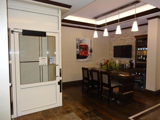Charmant Golden Nugget Hotel: The Loft At Golden Nugget Lake Charles Elevator And  Dining Area 1