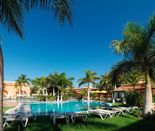 Green Garden Resort & Suites: Piscina principal