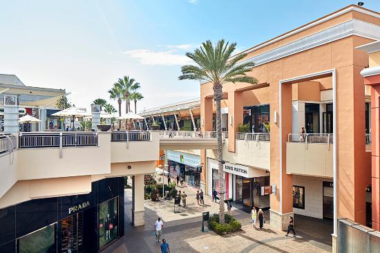 Photo of Fashion Valley Shopping Center in San Diego, CA, US