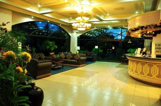 Bohol Plaza Resort and Restaurant in Philippines - Room ...