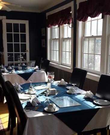 Shipwright Inn: Breakfast room