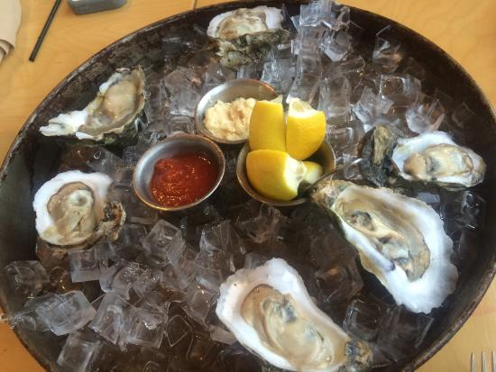 Shellfish Sports Bar & Grille: photo2.jpg