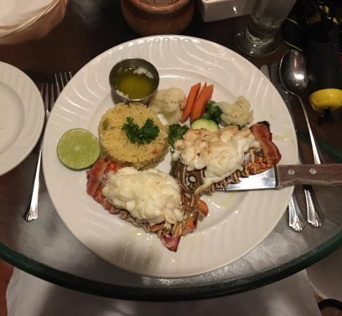 Turtle Cove, Providenciales: Lobster tail