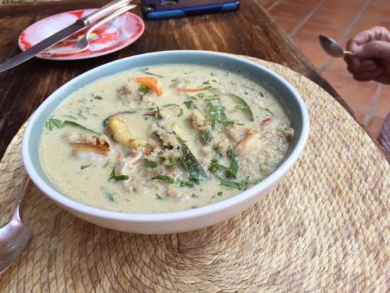 Hotel Cielo Rojo: seafood green curry... excellent