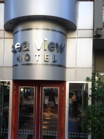 Sea View Hotel: Hotel entrance