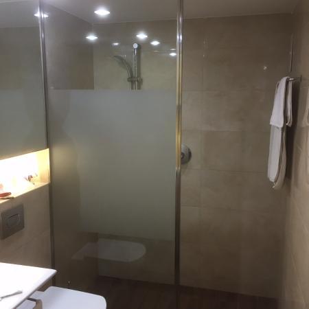 Eix Platja Daurada: Dusche