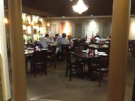 Sak's Thai Cuisine : Sak's Thai - dining room