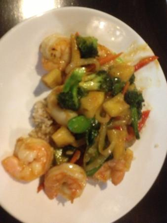 Sak's Thai Cuisine: Sak's Thai - pineapple shrimp dish