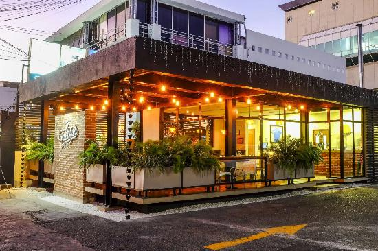 this is the new store in naco picture of fabrizio 39 s pizza dominican republic tripadvisor. Black Bedroom Furniture Sets. Home Design Ideas