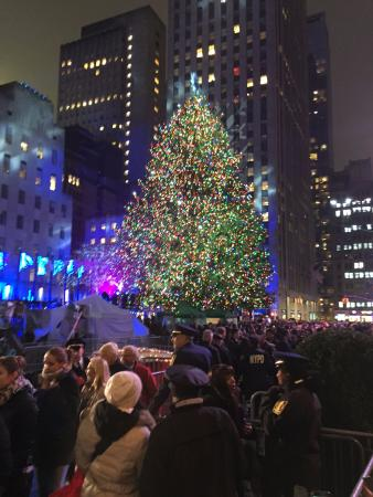 Rockefeller Center Christmas Tree - NYC - Picture of Rockefeller ...