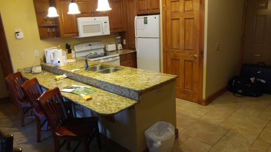 Westgate Smoky Mountain Resort U0026 Spa: Full Size Kitchen With Granite Counter  Tops. Washer