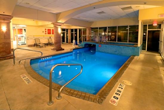 Smart iStay Hotel in McAllen: INSIDE POOL