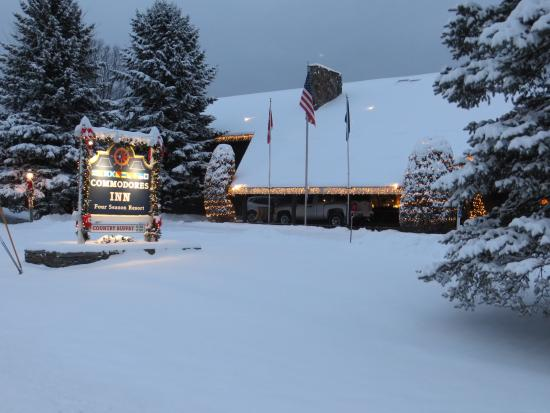 Winter at Commodores Inn
