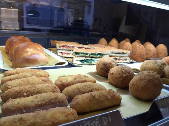 immagine Via Del Corso Pizzeria Rosticceria In Reggio di calabria