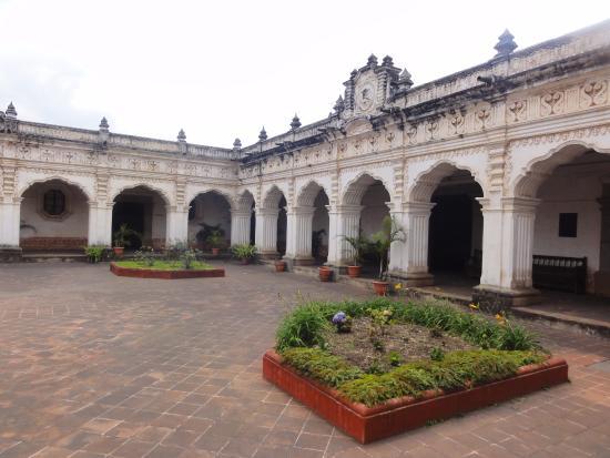 Museo de Arte Colonial : centro