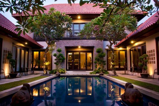 Sindhu Mertha Suite: hotel exterior
