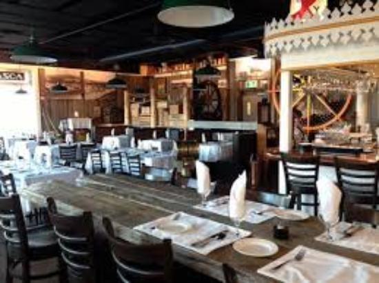 Wheelhouse Restaurant: Communal Bar