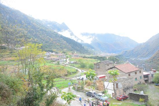 Mengtunhe Village