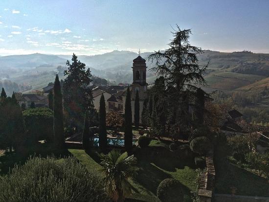 Coazzolo, Italien: the grounds