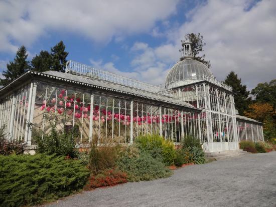 Jardin massey tarbes hautes pyr n es languedoc for Entretien jardin tarbes