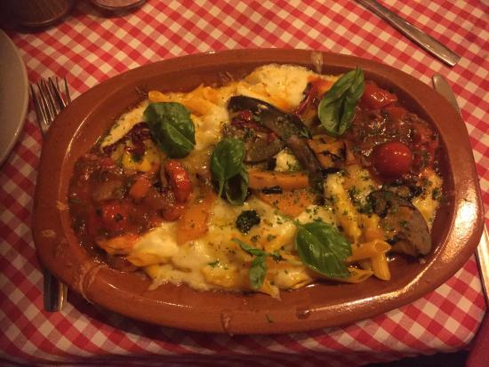 Giorgios: If you love Italian food and you happen to be in the area, you simply MUST check this place out!