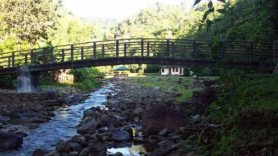 North Sulawesi, Endonezya: Bridge over Valley-River