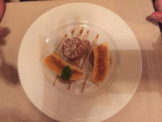 Монтань, Франция: Muffin au café, crème au café et banane caramélisée