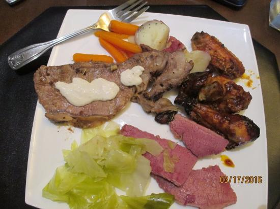 Stone Creek Golf Club : Corned beef & cabbage, prime rib and Guinness Chicken