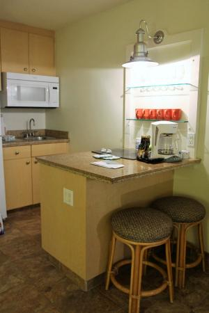 Kahana Beach Resort: Kitchen