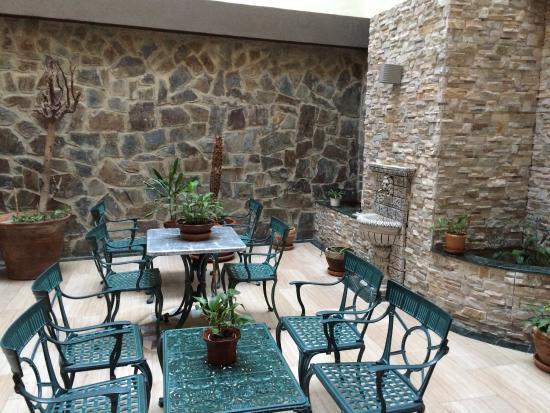 Hotel Molino: Muy recomendable, económico, limpio, con mobiliario nuevo y moderno. Cerca del centro. Os lo aco