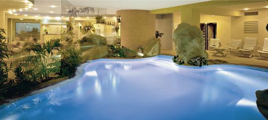 Hotel panorama cattolica italie voir les tarifs 31 - Cattolica hotel con piscina coperta ...