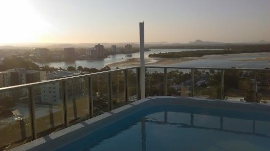 Majorca Isle Beachside Resort: Penthouse apartment, great views, lots of space
