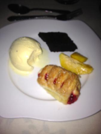 Boots Cuisine: Puffed pastry dessert