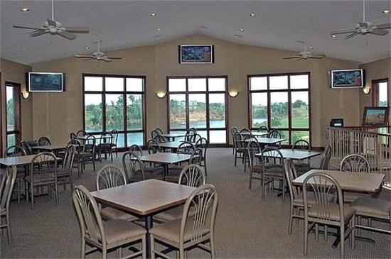 Iron Horse Golf Club: Clubhouse