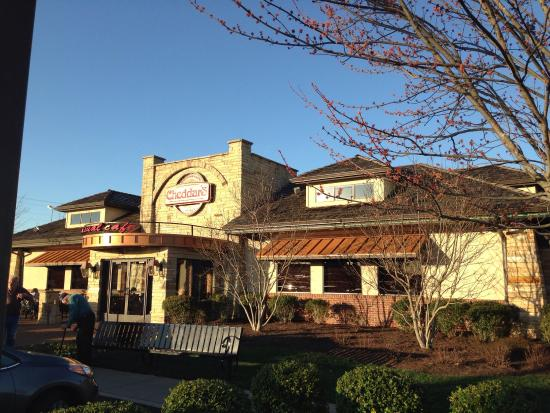 Cheddar's: Some pictures of the restaurant
